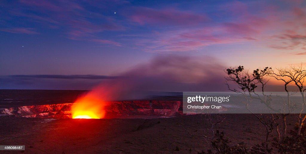 Halemaumau Crater, Hawaii Volcanoes National Park