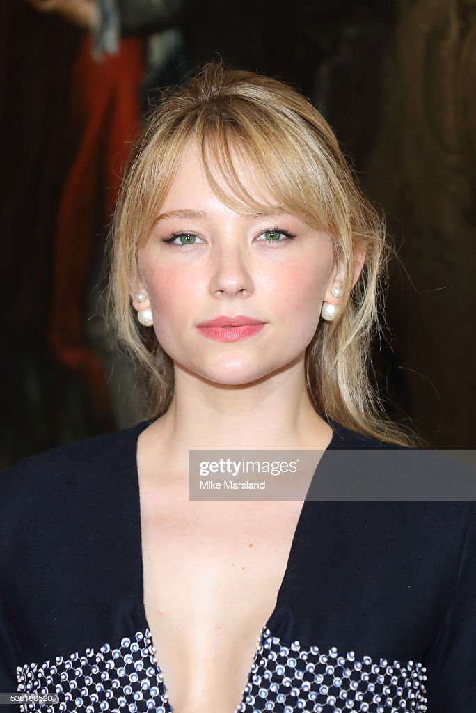 <a gi-track='captionPersonalityLinkClicked' href=/galleries/search?phrase=Haley+Bennett&family=editorial&specificpeople=2308488 ng-click='$event.stopPropagation()'>Haley Bennett</a> attends as Christian Dior showcases its spring summer 2017 cruise collection at Blenheim Palace on May 31, 2016 in Woodstock, England.