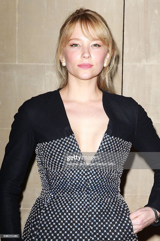 <a gi-track='captionPersonalityLinkClicked' href=/galleries/search?phrase=Haley+Bennett&family=editorial&specificpeople=2308488 ng-click='$event.stopPropagation()'>Haley Bennett</a> attends Christian Dior showcases its spring summer 2017 cruise collection at Blenheim Palace on May 31, 2016 in Woodstock, England.