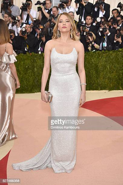 Haley Bennett attends the 'Manus x Machina Fashion In An Age Of Technology' Costume Institute Gala at Metropolitan Museum of Art on May 2 2016 in New...
