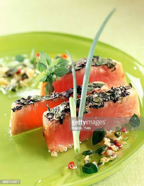half-cooked tuna with herb crust
