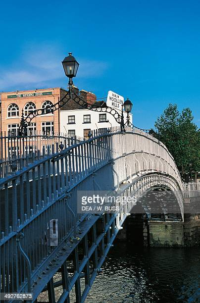Halfpenny bridge footbridge over the River Liffey Dublin Ireland