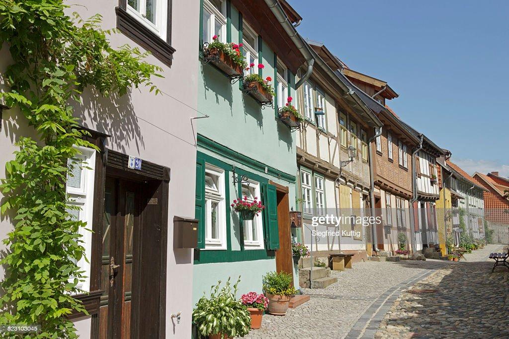halftimbered houses schlossberg or castle hill quedlinburg saxonyanhalt germany stock photo. Black Bedroom Furniture Sets. Home Design Ideas