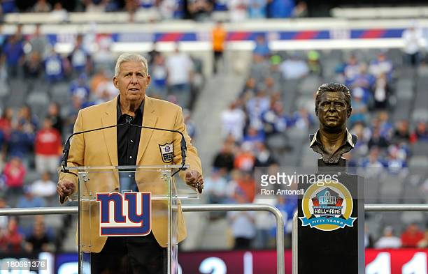 Hall of Fame head coach Bill Parcells speaks at a ceremony to receive his Hall of Fame Ring at halftime of the Denver Broncos 4123 win over the New...