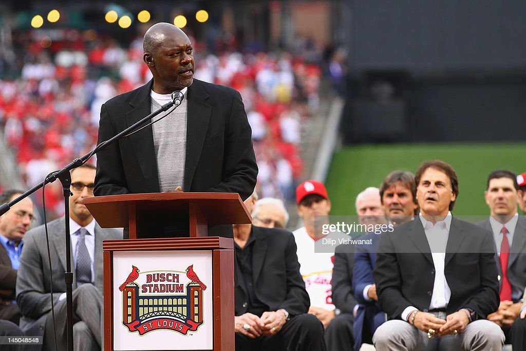 Hall of Fame pitcher Dave Stewart speaks during a number retirement ceremony for former Cardinals manager Tony La Russa prior to a game between the...