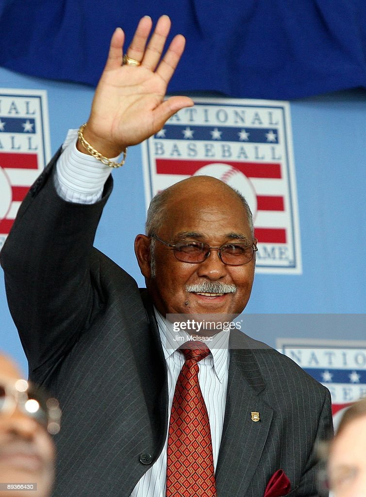 Hall of Famer Billy Williams waves to the crowd as he is introduced at Clark Sports Center during the 2009 Baseball Hall of Fame induction ceremony on July 26, 2009 in Cooperstown, New York.
