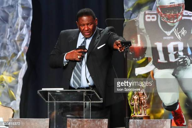 Hall of Famer Jackie Slater speaks to the audience after he receives the Bart Starr Award for his son New England Patriots wide receiver Matthew...