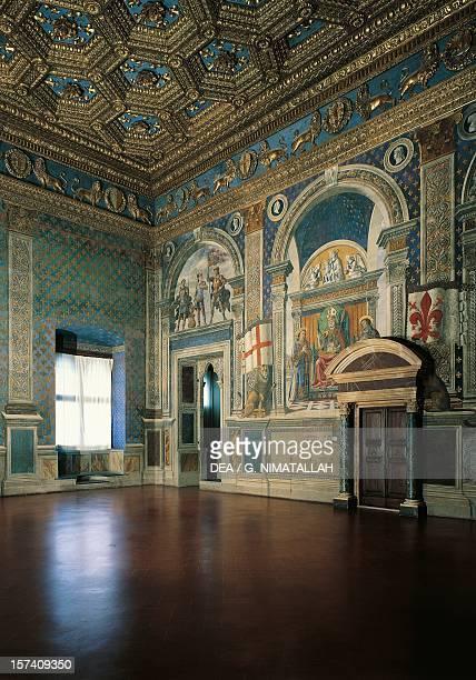 Hall of Lilies architects Benedetto da Maiano and Francesco Francione Palazzo Vecchio Florence Italy 15th century