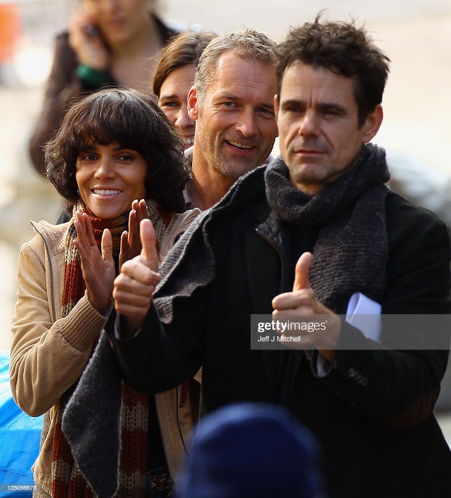 Halle Berry and director Tom Twyker on set of Holywood film Cloud Atlas being filmed in Glasgow on September 15 2011 in Glasgow Scotland The city...