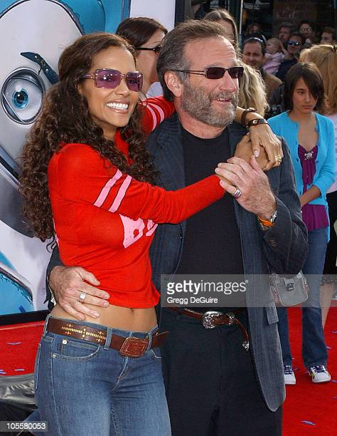 Halle Berry and Robin Williams during 'Robots' Los Angeles Premiere Arrivals at Mann Village Theatre in Westwood California United States
