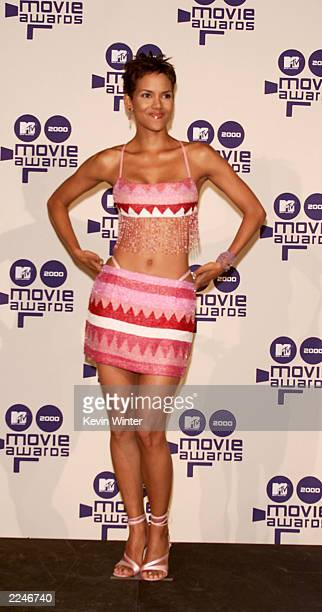 Halle Berry at the 2000 MTV Movie Awards at Sony Pictures Studio in Culver City Ca on June 3 2000