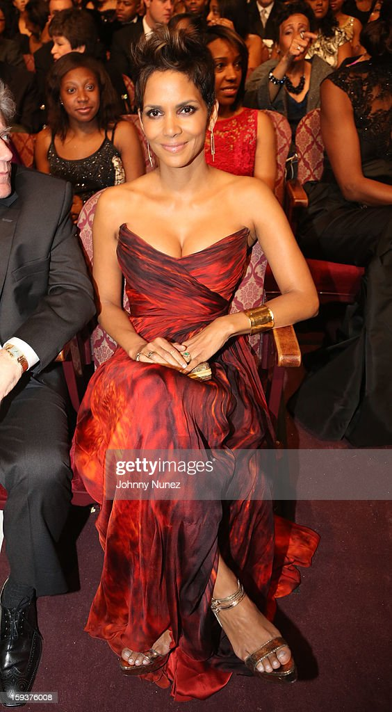<a gi-track='captionPersonalityLinkClicked' href=/galleries/search?phrase=Halle+Berry&family=editorial&specificpeople=201726 ng-click='$event.stopPropagation()'>Halle Berry</a> attends BET Honors 2013 at Warner Theatre on January 12, 2013 in Washington, DC.