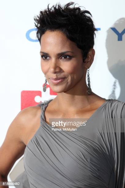 Halle Berry attends DKMS' 4th Annual Gala' LINKED AGAINST LEUKEMIA at Cipriani's 42nd St on April 29 2010 in New York City