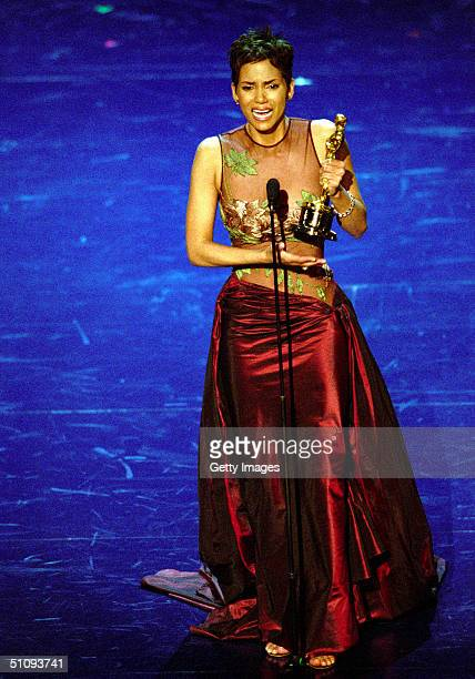 Halle Berry Makes An Emotional Acceptance Speech After Receiving The Best Actress Award For Her Role In 'Monster's Ball' During The 74Th Annual...