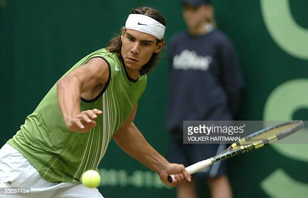 Rafael Nadal of Spain returns a shot to Alexander Waske of Germany during the Gerry Weber Open tennis tournament 08 June 2005 in Halle Waske won 46...