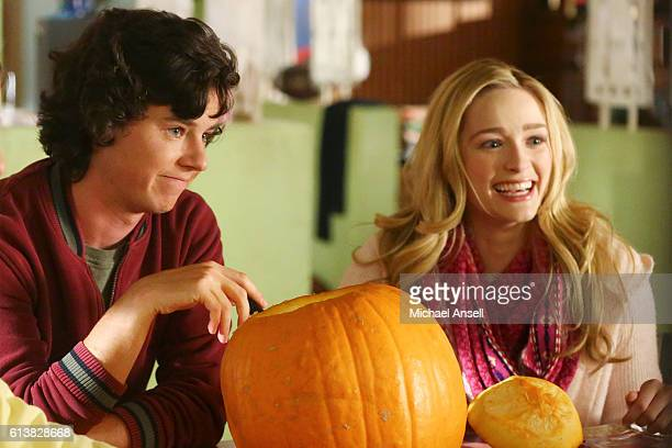 THE MIDDLE 'Halloween VII The Heckoning' As Halloween approaches Frankie is taken aback when she discovers that if the circumstances ever arose where...