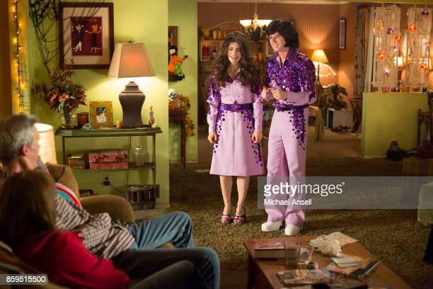 THE MIDDLE 'Halloween VIII Orson Murder Mystery' As Halloween approaches Frankie discovers that a woman had died in the bathtub of the Heck house...