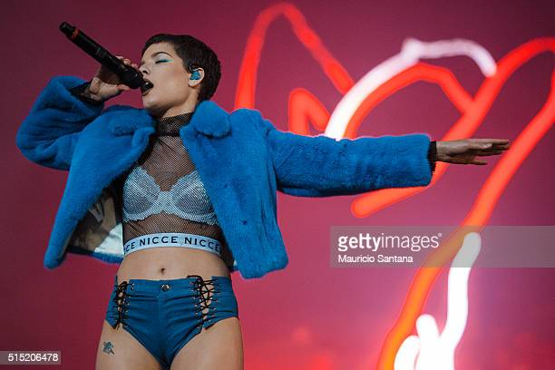 Halsey performs live on stage at Autodromo de Interlagos on March 12 2016 in Sao Paulo Brazil