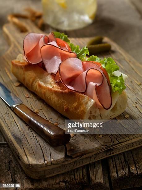 Schinken und Käse-Sandwich auf ein baguette