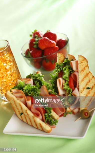 ハムとトルコのサンドイッチ