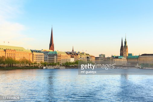 Hamburg Alster Lake, Town hall