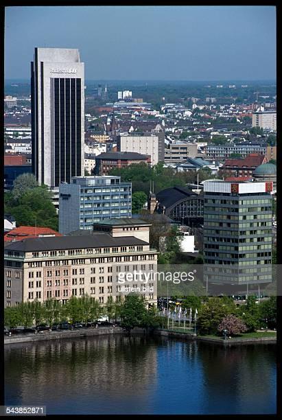 Dammtorbahnhof photos et images de collection getty images for Hamburg hotel innenstadt
