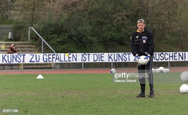 ST PAULI Hamburg Fans kritisieren den Weggang von Torwart Carsten WEHLMANN zum HSV