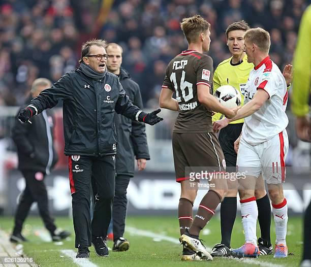 Hamburg Germany 20 November 2016 2 Bundesliga 13 Spieltag FC St Pauli vs Fortuna Duesseldorf vl Trainer Ewald Lienen Marc Hornschuh Schiedsrichter...