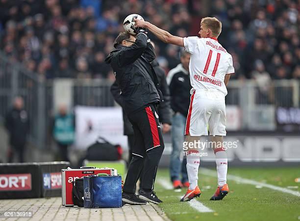Hamburg Germany 20 November 2016 2 Bundesliga 13 Spieltag FC St Pauli vs Fortuna Duesseldorf vl Trainer Ewald Lienen und Axel Bellinghausen