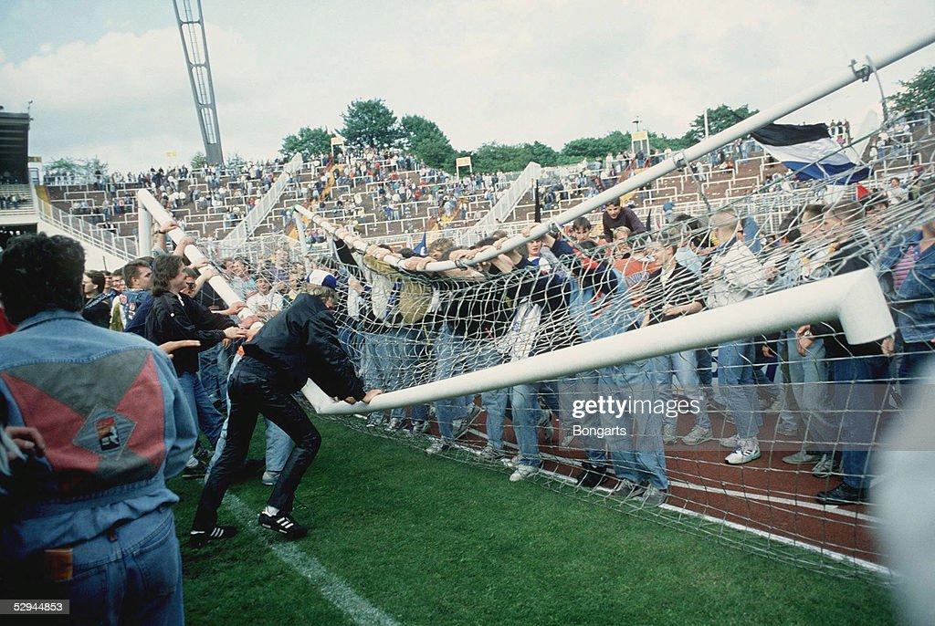 1 BUNDESLIGA 89/90 Hamburg HAMBURGER SV WALDHOF MANNHEIM 10 FANS