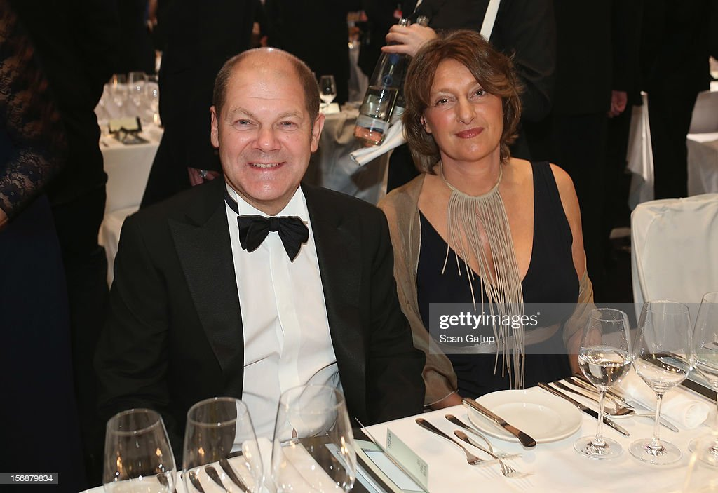 Hamburg Mayor Olaf Scholz and his wife Britta Ernst attend the 2012 Bundespresseball (Federal Press Ball) at the Intercontinental Hotel on November 23, 2012 in Berlin, Germany.