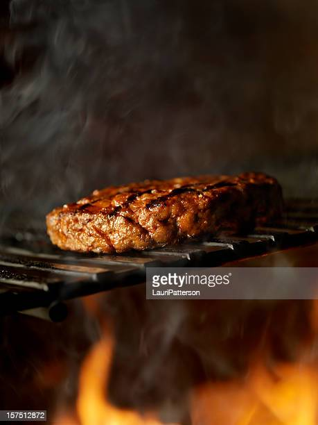 BBQ Hamburger vom Grill