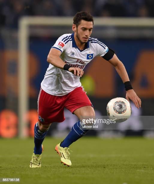 FUSSBALL BUNDESLIGA Hamburger SV Greuther Fuerth Hakan Calhanoglu am Ball