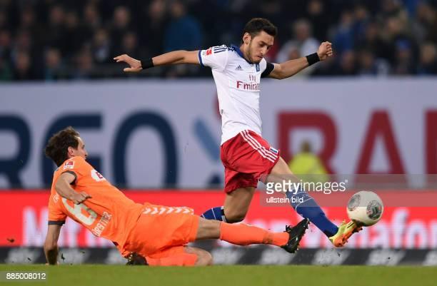 FUSSBALL BUNDESLIGA Hamburger SV Greuther Fuerth Stephan Fuerstner gegen Hakan Calhanoglu