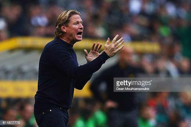 Hamburger SV Head coach / manager Markus Gisdol gives his players instructions from the sidelines during the Bundesliga match between Borussia...