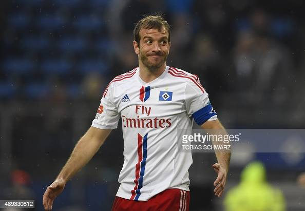 Hamburg's Dutch midfielder Rafael van der Vaart reacts during the German first division Bundesliga football match Hamburger SV vs VfL Wolfsburg in...