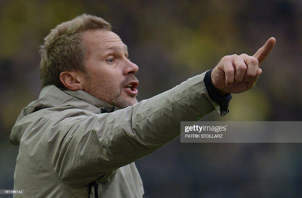 Hamburg's head coach Thorsten Fink reacts during the German first division Bundesliga football match Borussia Dortmund vs Hamburger SV in Dortmund, western Germany, on February 9, 2013. Hamburg won 1-4.