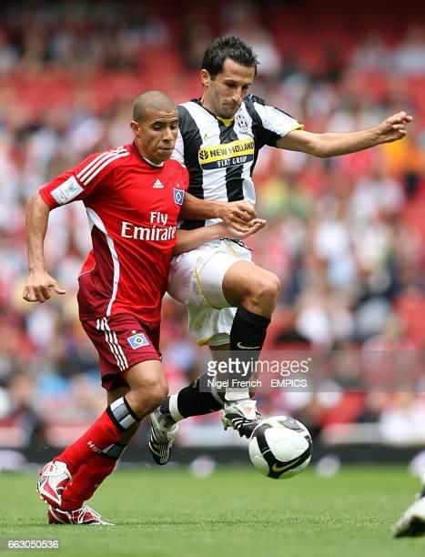 Hamburg's Mohamed Zidan and Juventus' Hasan Salihamidzic battle for the ball