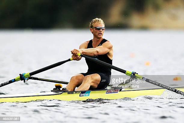 Hamish Bond competes during the Mens premier single sculls final at Lake Karapiro on January 26 2014 in Cambridge New Zealand