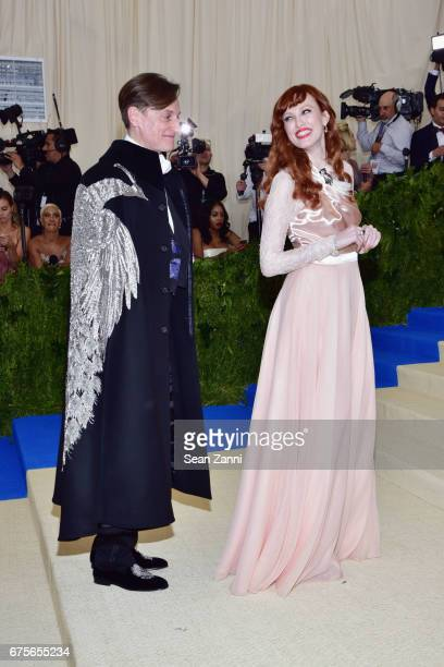 Hamish Bowles and Karen Elson arrive at 'Rei Kawakubo/Comme des Garcons Art Of The InBetween' Costume Institute Gala at The Metropolitan Museum on...