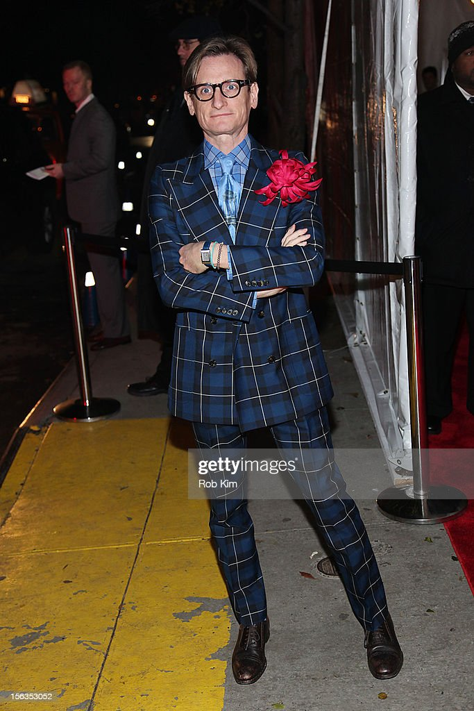 <a gi-track='captionPersonalityLinkClicked' href=/galleries/search?phrase=Hamish+Bowles&family=editorial&specificpeople=217532 ng-click='$event.stopPropagation()'>Hamish Bowles</a> arrives at The Ninth Annual CFDA/Vogue Fashion Fund Awards at 548 West 22nd Street on November 13, 2012 in New York City.