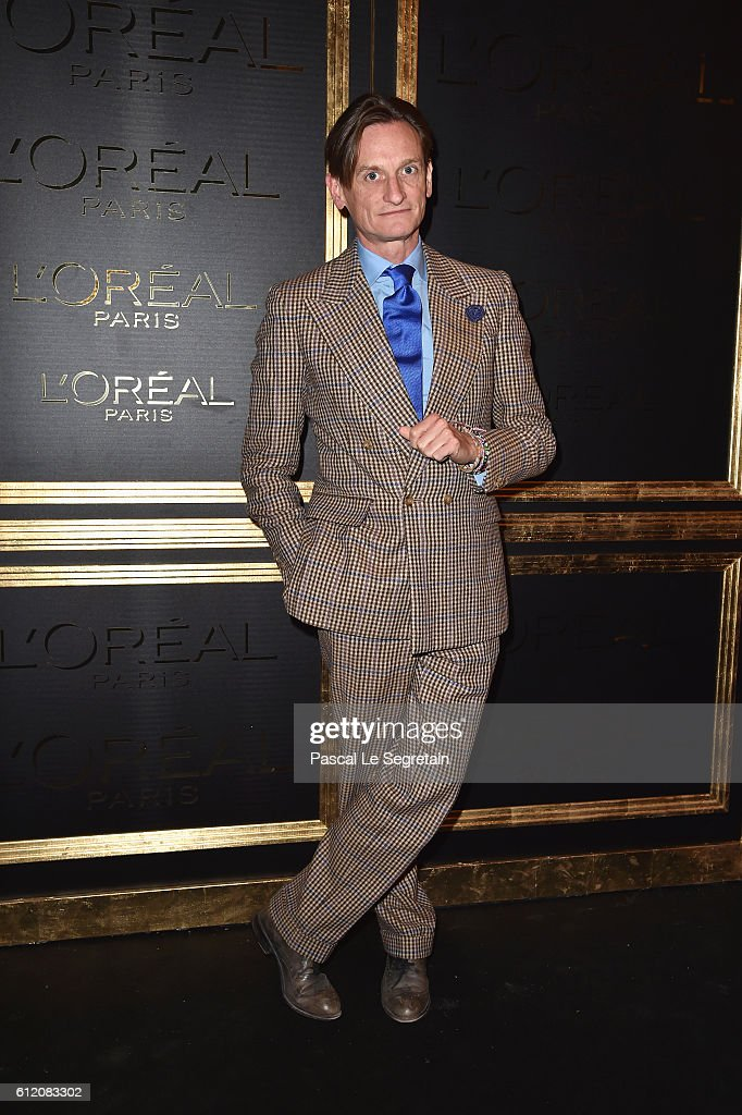 Hamish Bowles attends the Gold Obsession Party - L'Oreal Paris : Photocall as part of the Paris Fashion Week Womenswear Spring/Summer 2017 on October 2, 2016 in Paris, France.