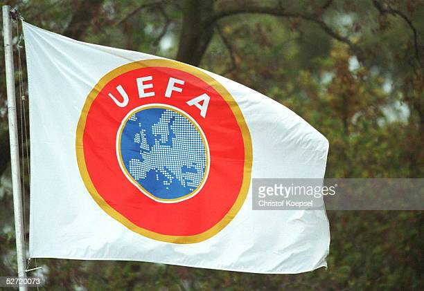 QUALIFIKATION 2001 Hamm DEUTSCHLAND RUSSLAND 21 UEFA FAHNE/LOGO