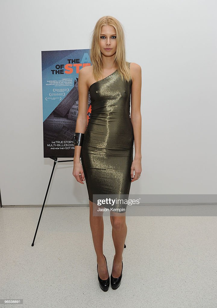 Hana Soukupova attends the premiere of 'The Art of The Steal' at Haunch of Venison on February 9 2010 in New York City