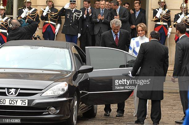 Hand over ceremony between newly appointed French Prime Minister Francois Fillon and out going Dominique de Villepin in Paris France on May 17 2007...