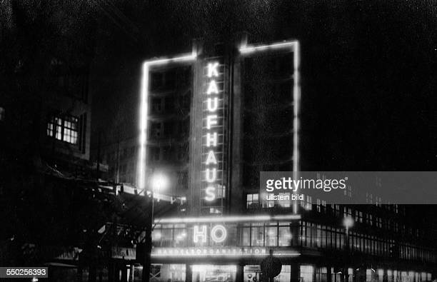 Handelsorganisation setting up national retail business in the Soviet Zone of occupation in Germany night shot of the HO department store at...