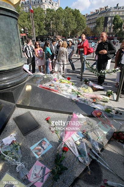 A handful of Diana fans gather 31 August 2007 at the Paris site where the princess's car crashed 10 years ago The Alma tunnel on the north bank of...