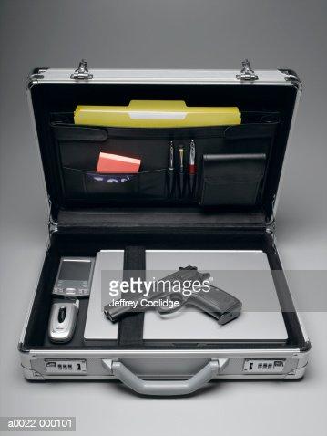 Handgun in Briefcase : Foto de stock