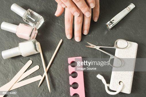 Маникюр работа с инструментом