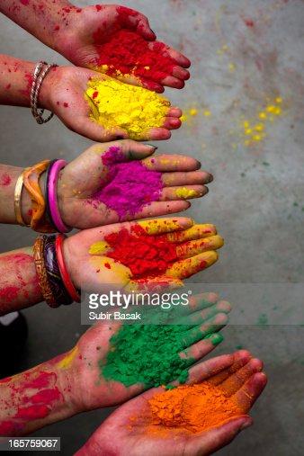 Hands full powder